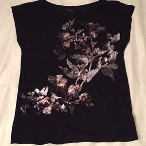 Express, beautiful and shine blouse. No flaws